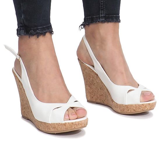 16515aca4e16f Białe lakierowane sandały na korkowej koturnie Modo - Obuwie damskie ...
